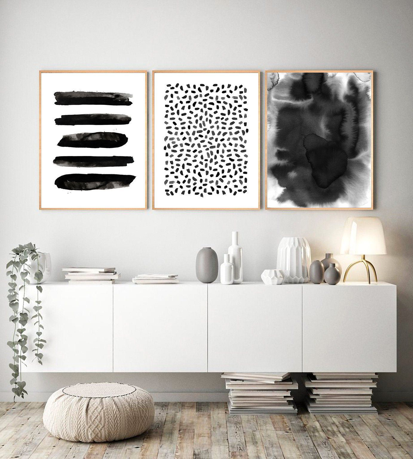 White And Black Aesthetic Dots