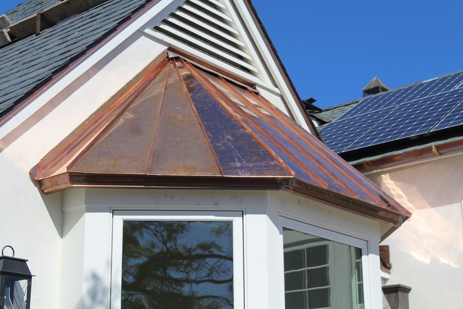 Standing Seam Bay Window Roof With Copper Molding Fascia In 2020 Metal Roof Copper Roof Copper Metal Roof