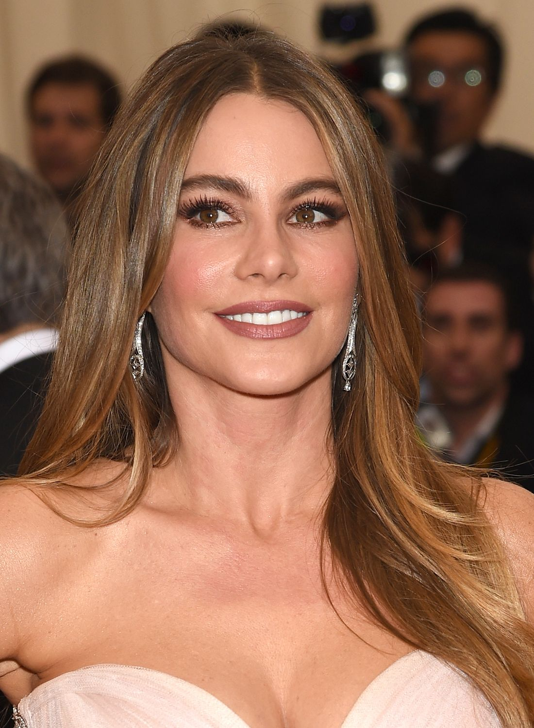 Get the Look Sofia Vergara's Illuminating Beauty at the