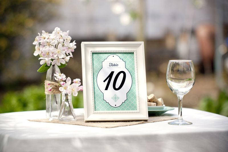 Free table number printables in four colors - via Evermine.