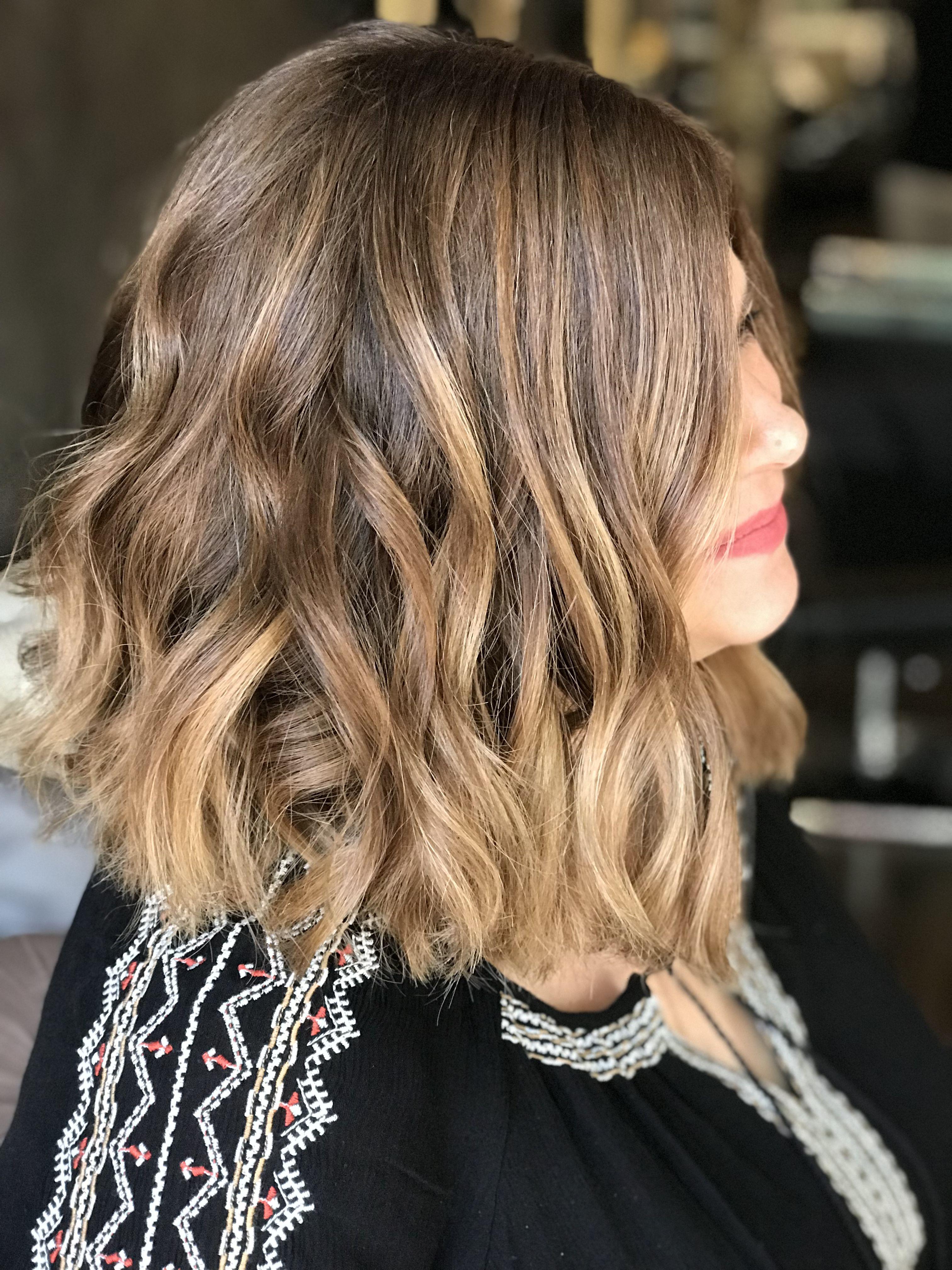 окраска волос балаяж фото на средние волосы уже школе, она