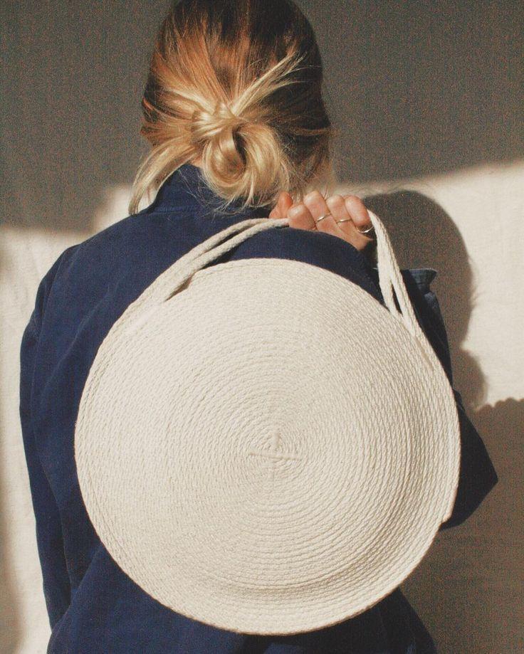 A while circle bag