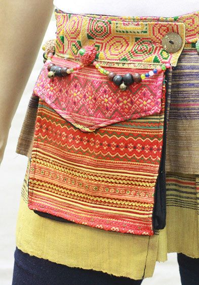 Big pockets on the skirt! This would be great for a craft show