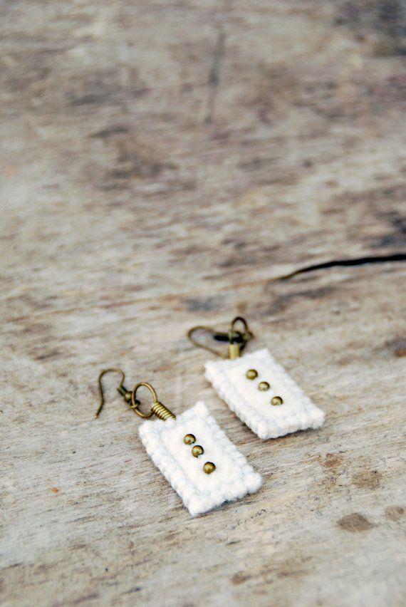 Wedding minimalist earrings. White woolen earrings. Textile earrings with antique bronze beads. Eco friendly earrings