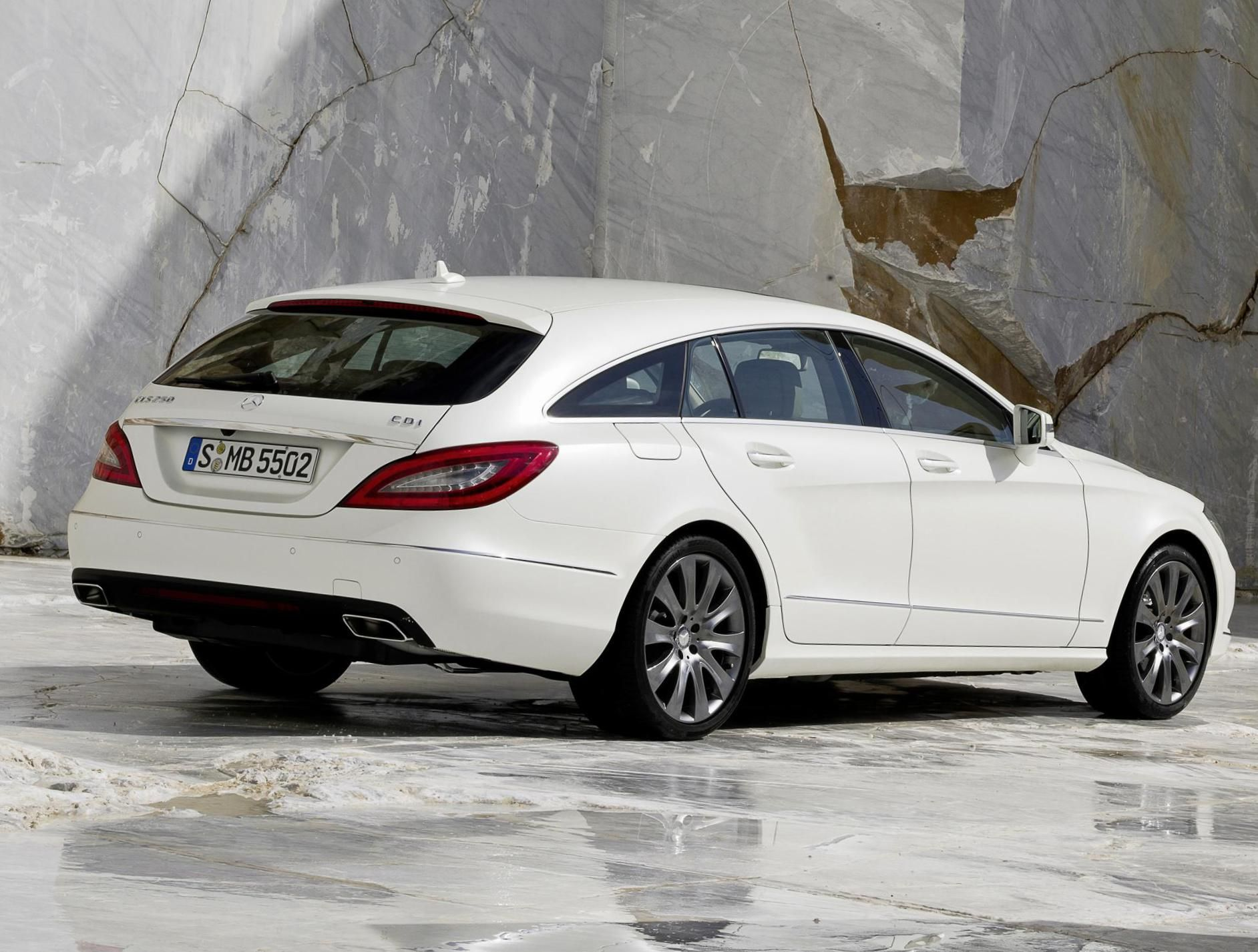 Mercedes Cls Shooting Brake X218 Photos And Specs Photo Mercedes Cls Shooting Brake X218 Price And 26 Mercedes Cls Mercedes Car Models Mercedes Benz Cls