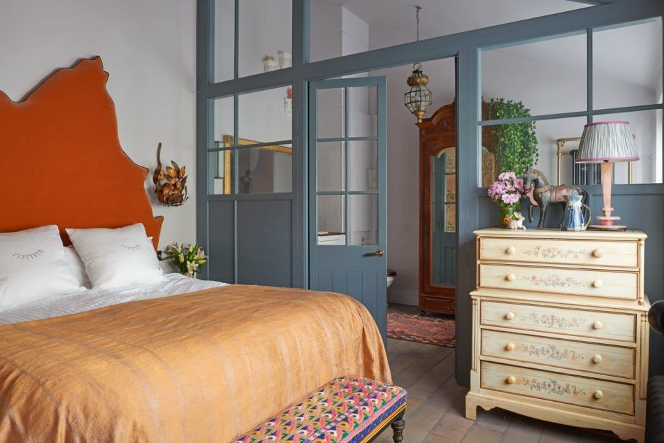 9 Sumptuous Bedrooms with Boldly Upholstered Headboards