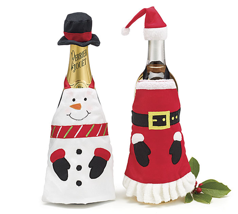 Set of 6 Wine Bottle Aprons Santa and Snowman: http://www.outbid.com/auctions/4819-gift-totes-and-boxes#16