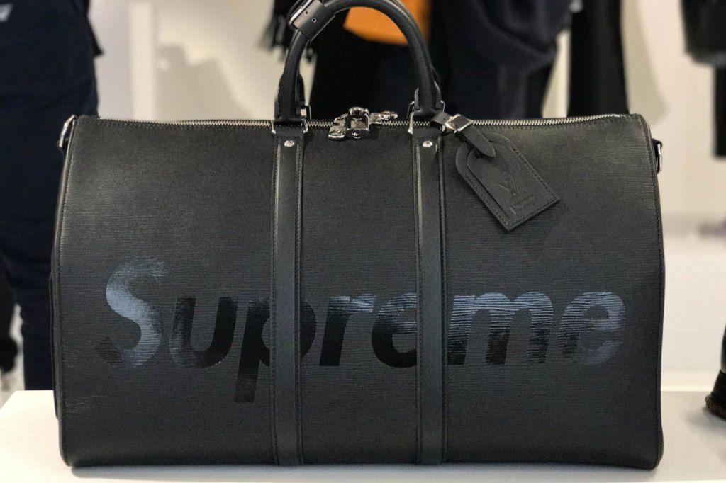 Supreme x Louis Vuitton 2017 Fall Winter Closer Look Showroom Sac À Main,  Sac be9e0a67828