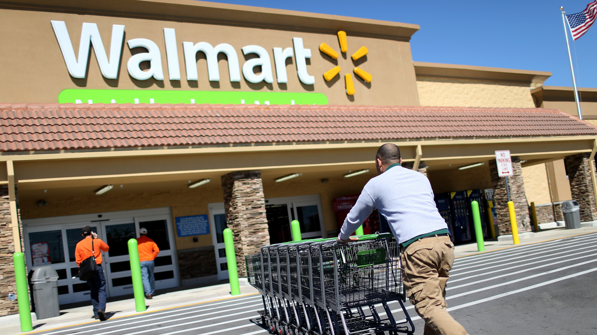 Wal-Mart's Stock Tumbles On Sliding Quarterly Revenue, Trimmed Outlook
