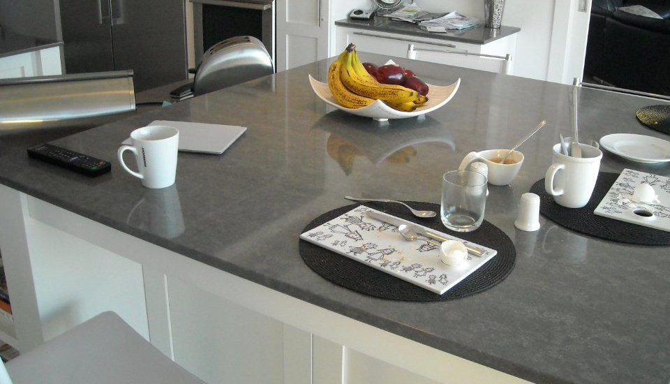 london grey caesarstone new frosty carrina