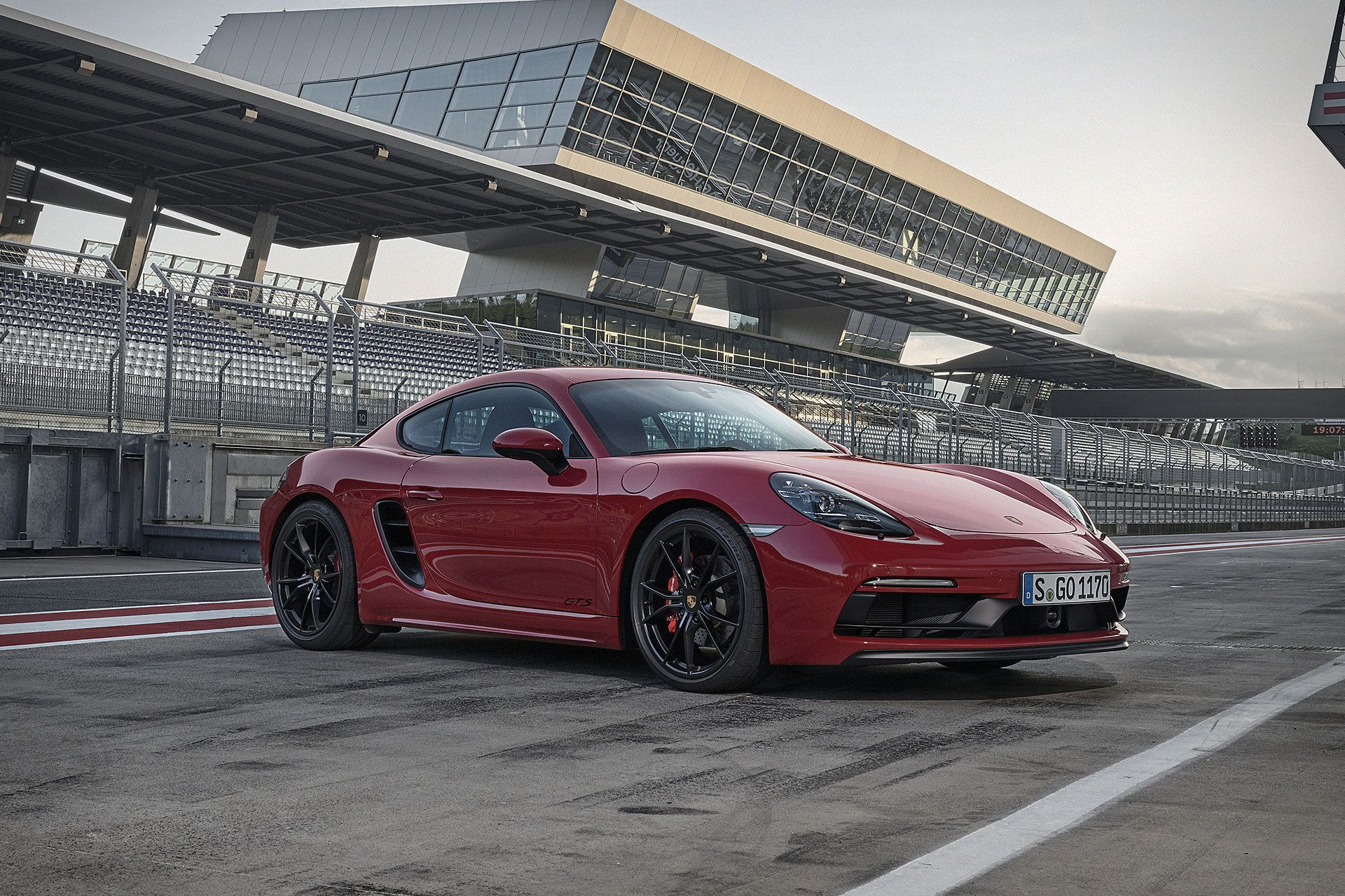Arguably The Best Car In Porsche S Current Lineup The Mid Engined 718 Cayman And Boxster Have Gotten Porsche 718 Cayman Porsche 718 Cayman Gts Porsche 718 Gts