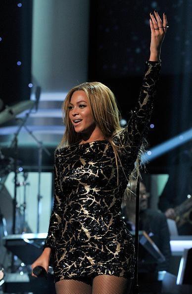 Beyoncé At Stevie Wonder GRAMMY Salute 10.02.2015