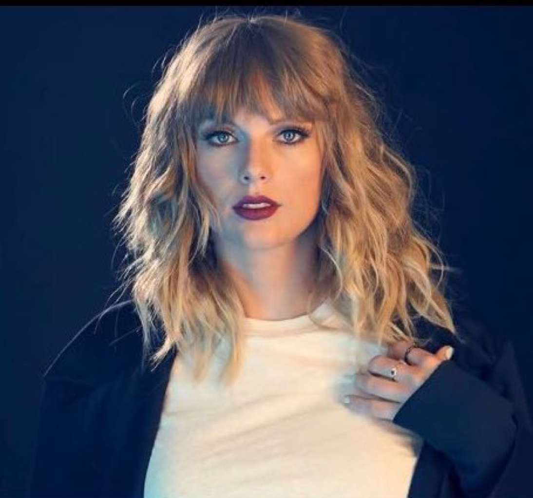 Love Her Bangs And Her Layered, Textured Hair. So Pretty