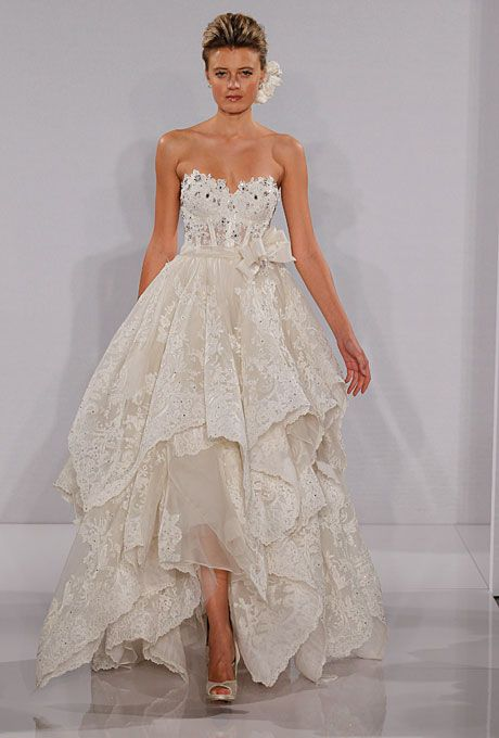 wedding dress trend: high-low hemlines | vestidos de novia