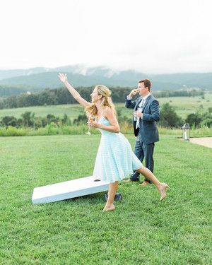 The Etiquette of Engagement Parties #dressesforengagementparty How to Throw the Perfect Backyard Engagement Party #dressesforengagementparty