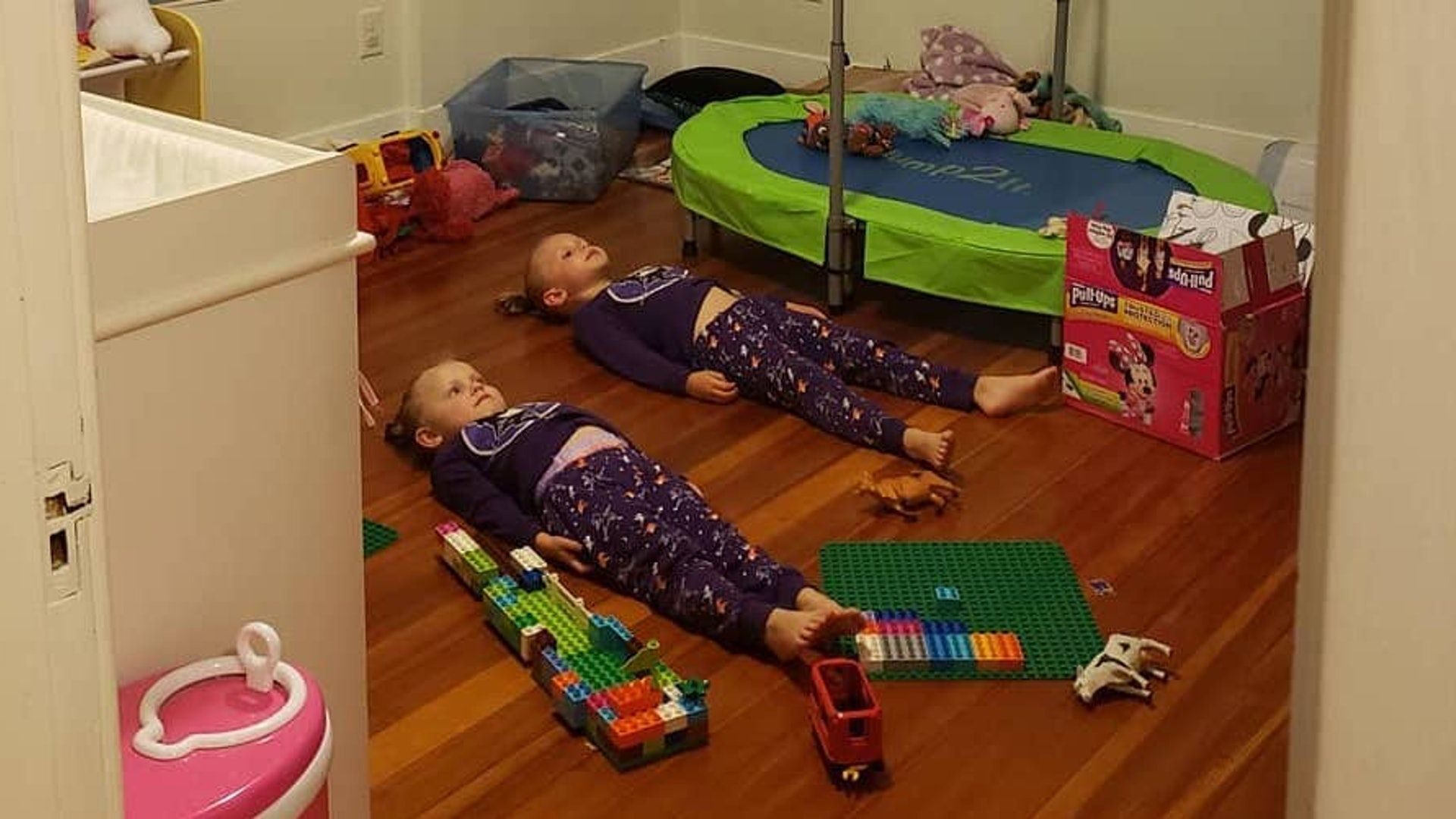 This Mom's Trick For Getting Her Kids To Relax Before Bed Is Ridiculously Clever