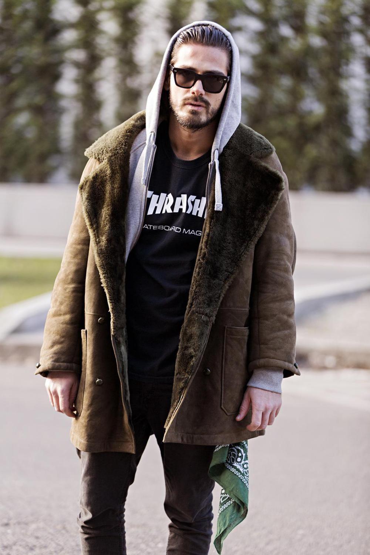 7f679edeab6b veste homme en peau lainée marron et sweat à capuche