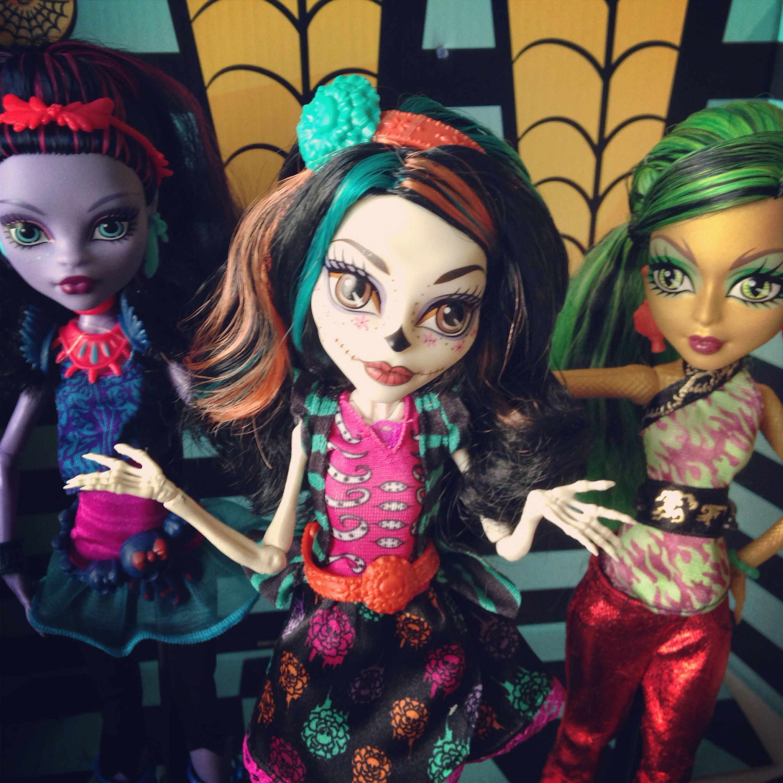 Art Class Monster High Skelita Calaveras Doll