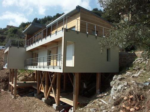 Superb Superbe Maison En Bois Sur Pilotis Avec Vue Imprenable Sur Le Fleuve Au  Canada | Decoração