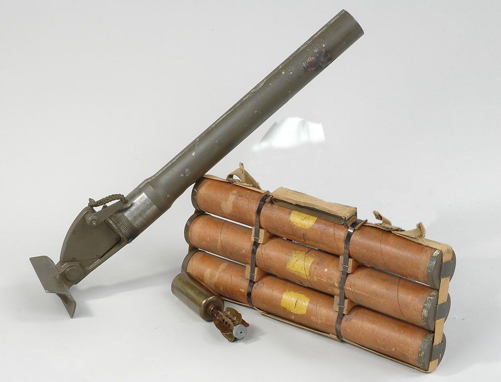 BRITISH 2-INCH MORTAR | weapon | Ww2 tanks, Ww2 uniforms