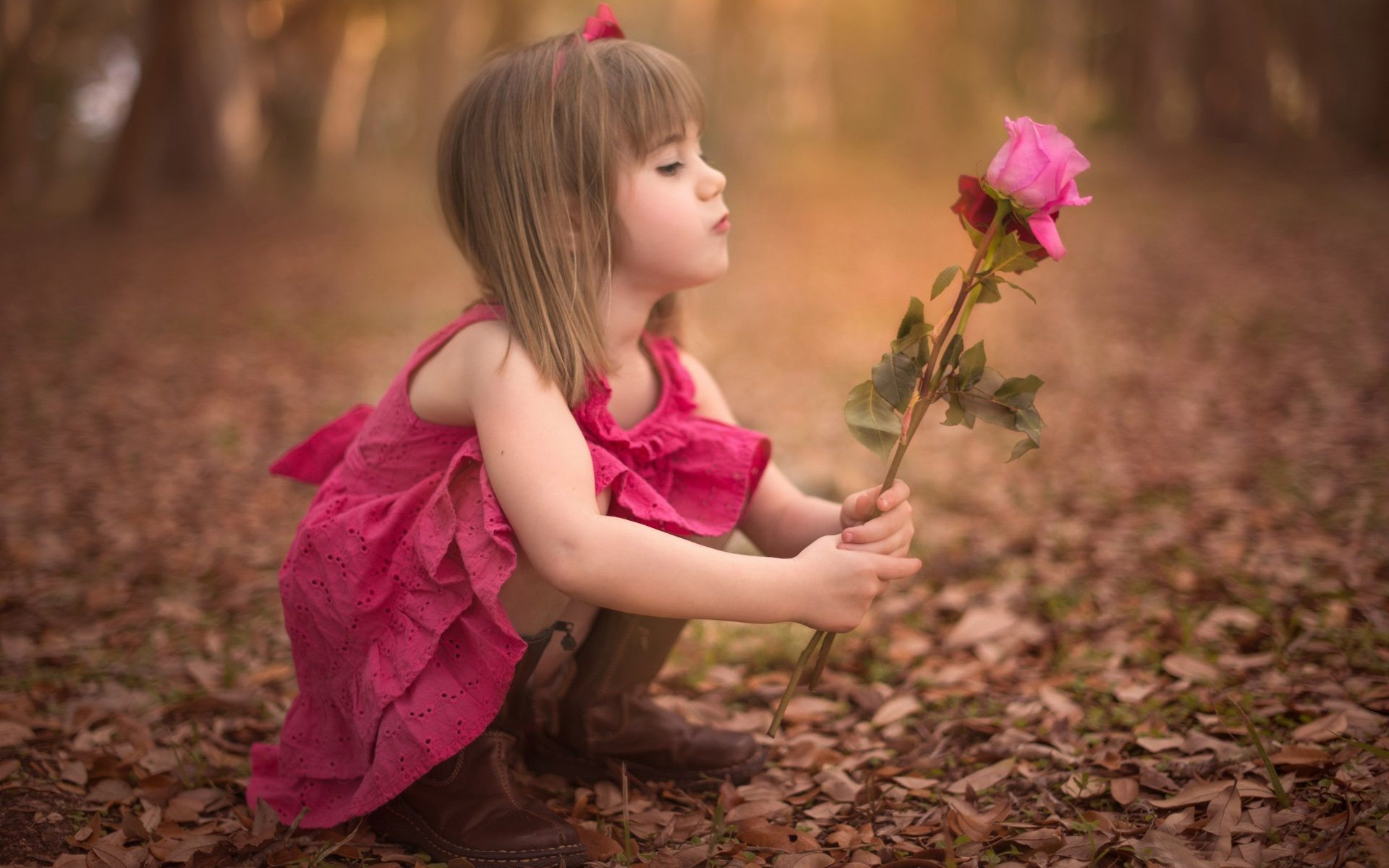 Cute Little Girl Holding Rose Flower Wallpaper 1920x1200 Resolution Wallpaper Download Best Wallpaper Net Fotografcilik Guller Cicek