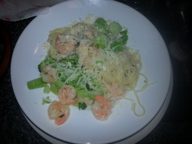 Easy and healthy. Shrimp, broccoli, parmesan cheese, olive oil, garlic and spaghetti noodles. So good!