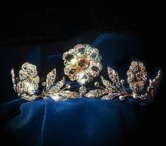 Strathmore Rose Tiara of HM Queen Elizabeth, Queen Mother