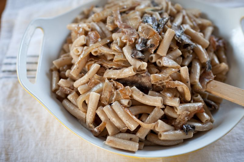 pasta with portobello mushrooms, caramelized onions, +chèvre -- if you like onions & mushrooms, this is the pasta for you!