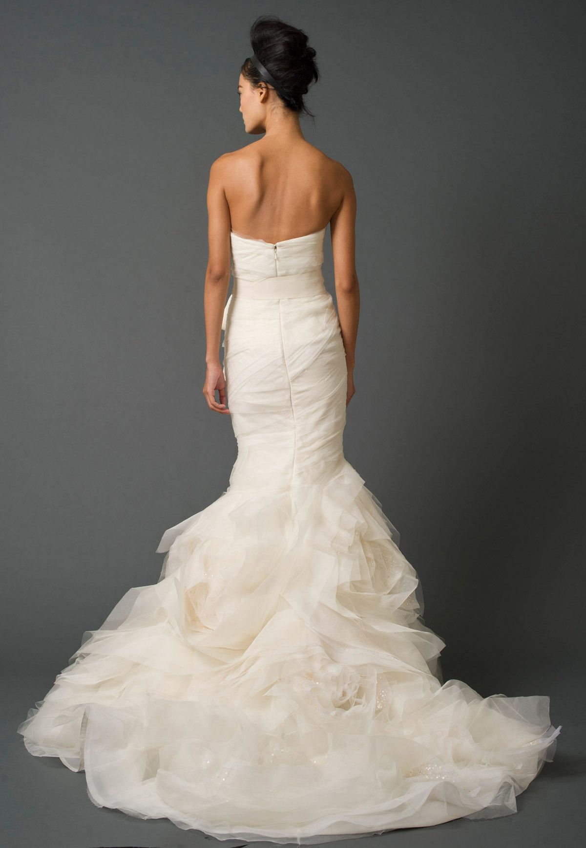 Beautiful fishtail style Vera Wang wedding dress back view ❤ | I ...