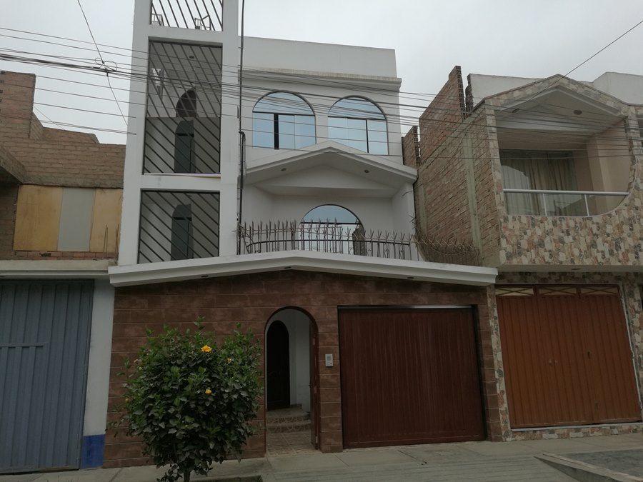 Casa De 120 M2 Urb Vipol De Naranjal En San Martin De Porres