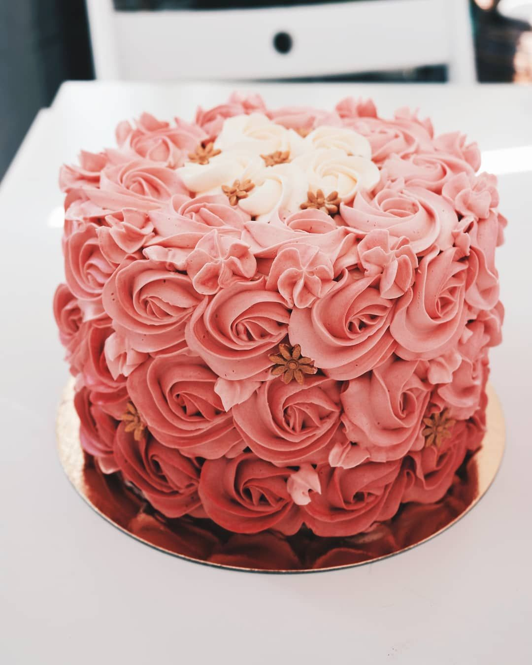 Degrade Pink Rosette Cake Made With Swiss Meringue Buttercream Simple Cake Designs Easy Cake Decorating Rose Cake Design