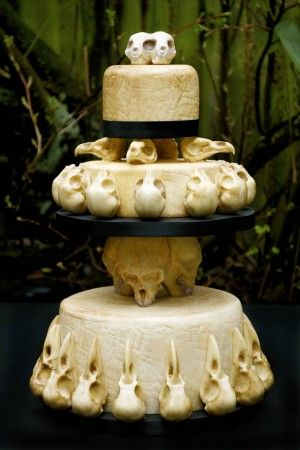 Baker Anna at Eat Your Heart Out Bakers made this astounding skull wedding-cake.