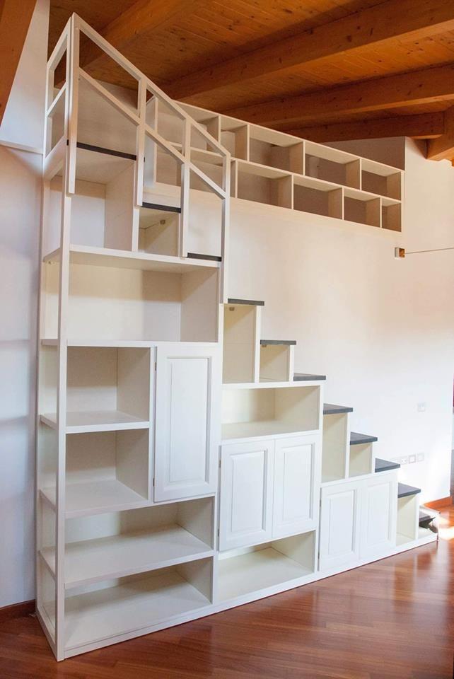 Scala libreria su misura falegnameria grelli danilo falegnameria grelli danilo nel 2019 - Mobili sottoscala in legno ...