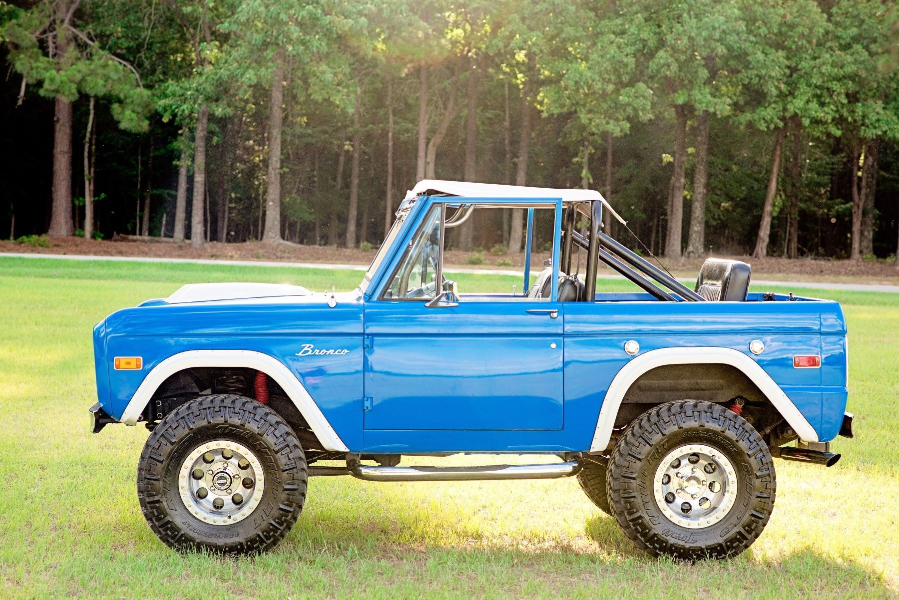 Pin By Jason Thompson On Bronco Classic Ford Broncos Classic Bronco Ford Bronco