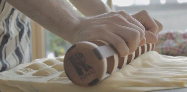 Engenheiro Cria Rolo Inovador Que Permite Fazer Raviolis De Forma