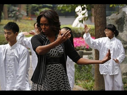 Michelle Obama tries her hand at tai chi with students while visiting China  wp.me/p2RMNd-PR