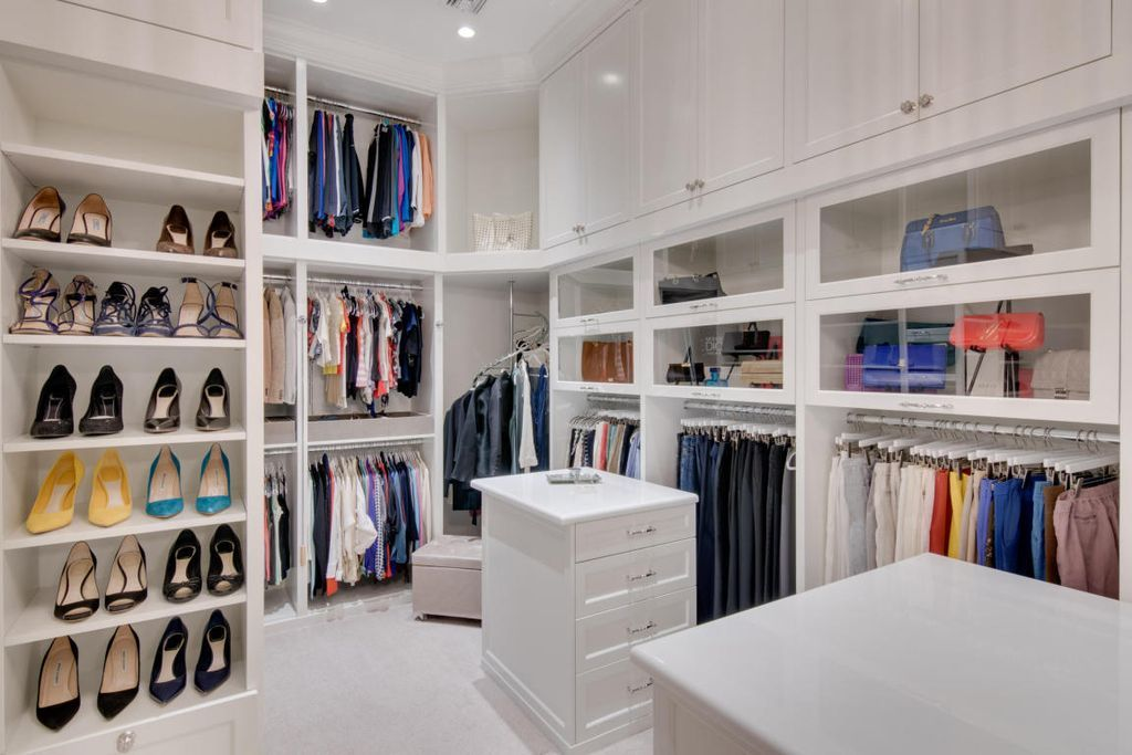 are target fitting rooms open in florida