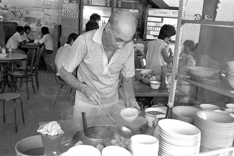 Fishball Noodle Stall In Coffeeshop Singapore Photos Singapore Food Photographs And Memories