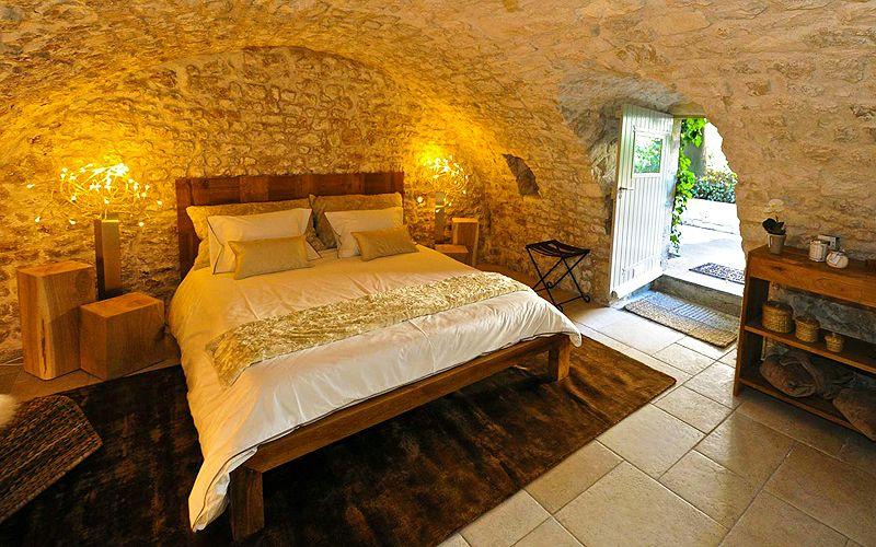 Romantic Guest Room At Entre Hotes Guesthouse In La Rochelle France La Rochelle Maison D Hotes Chambre D Hote Insolite