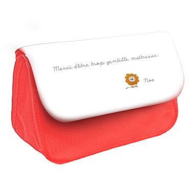 Cadeau personnalisé avec texte d'enfant pour maîtresse, atsem, nounou... Rabat disponible en plusieurs coloris.