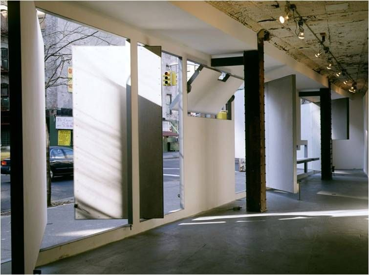 Shoplifter Figure Of Shop Front Art And Architecture New York 1993 Arch Steven Holl 3 Of Arquitectura Interior Diseno De Fachada De Tienda Steven Holl