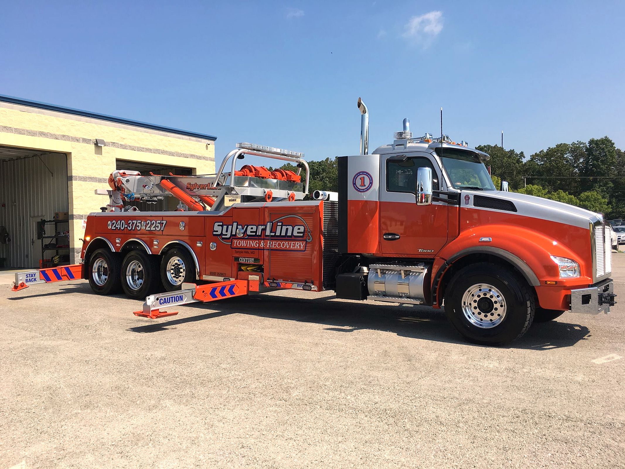 Tow Truck Sylverline Towing Recovery Tow Truck Towing And Recovery Trucks
