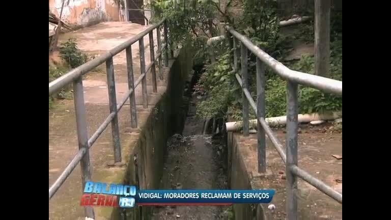Moradores do Vidigal (RJ) reclamam dos serviços prestados na comunidade - Vídeos - R7
