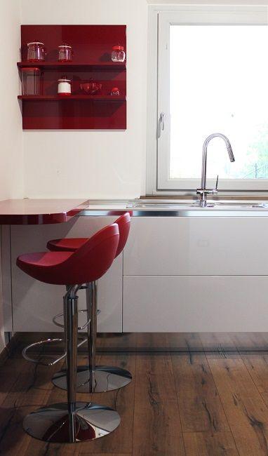 Cucina Scic cucine d\'Italia in cristallo laccato rosso e bianco ...