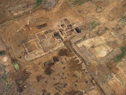 Vue aérienne d'une villa gallo-romaine (Damblain)