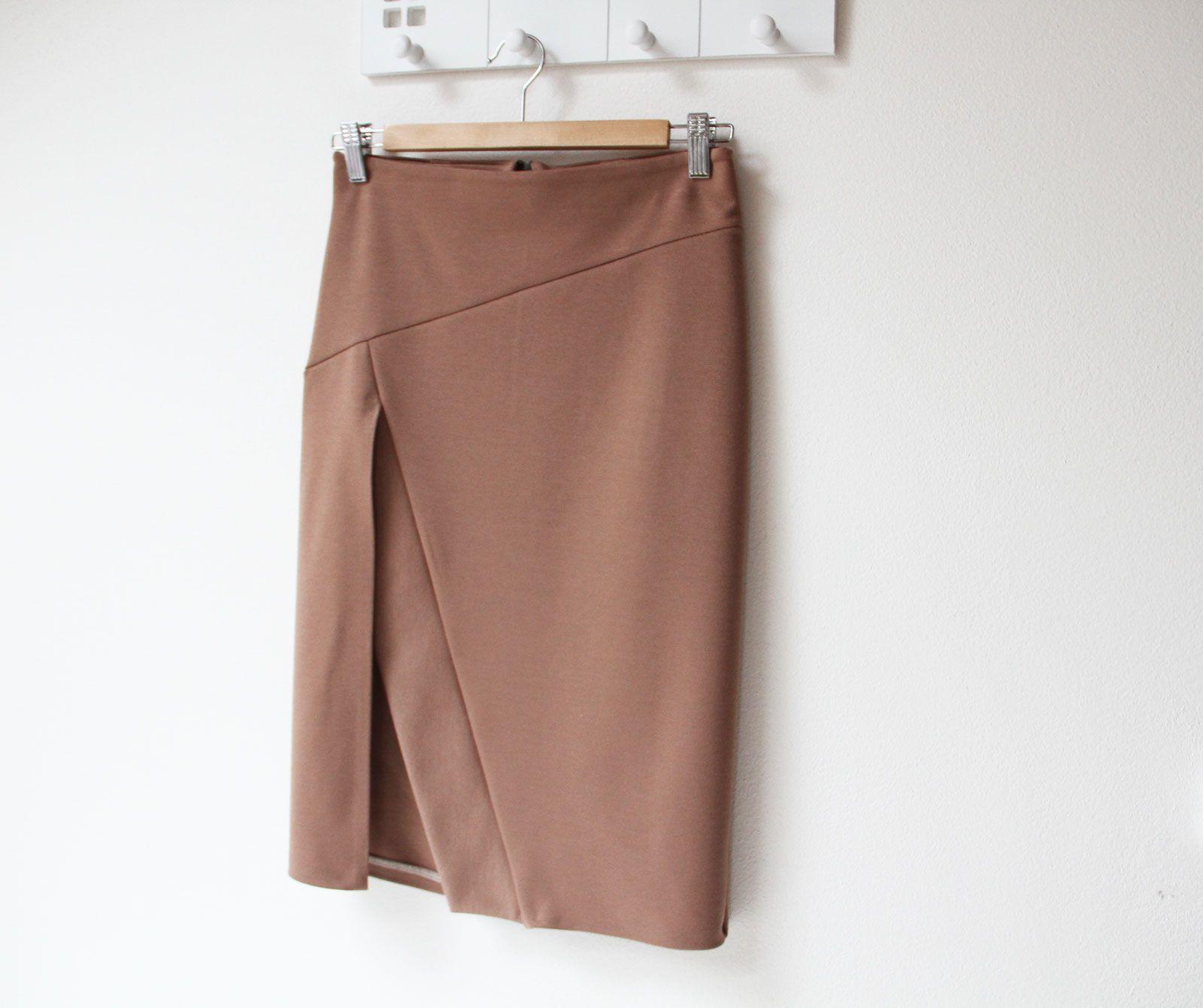 2beaf4b63120 Pouzdrová sukně v barvě mléčné čokolády
