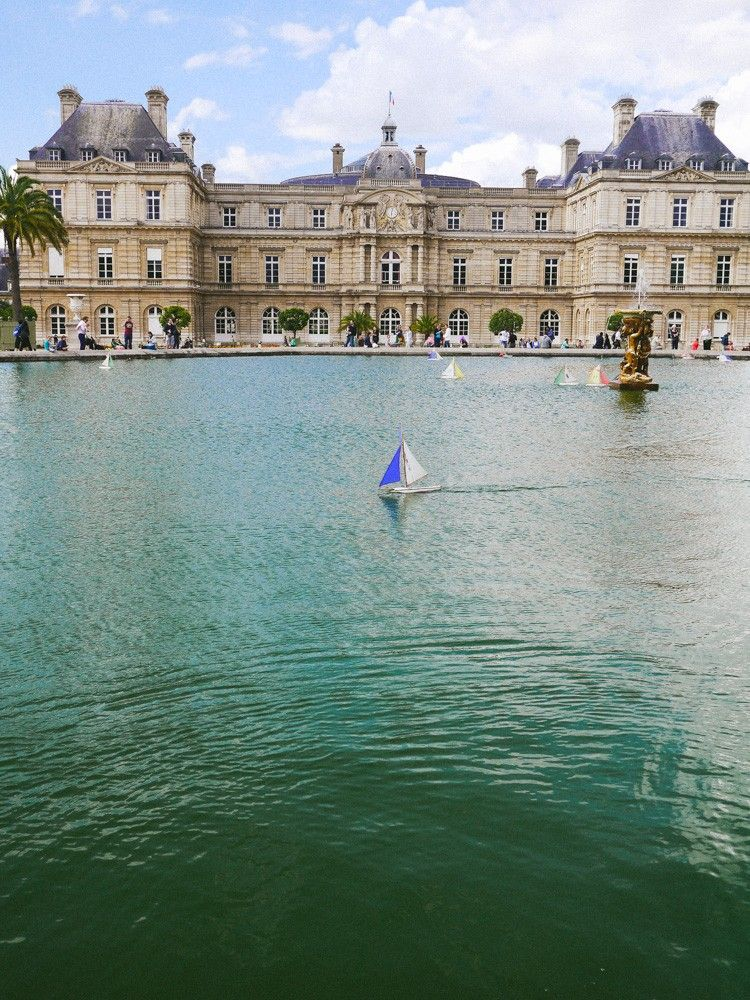 Sail a boat in the Luxembourg Gardens | Paris | France