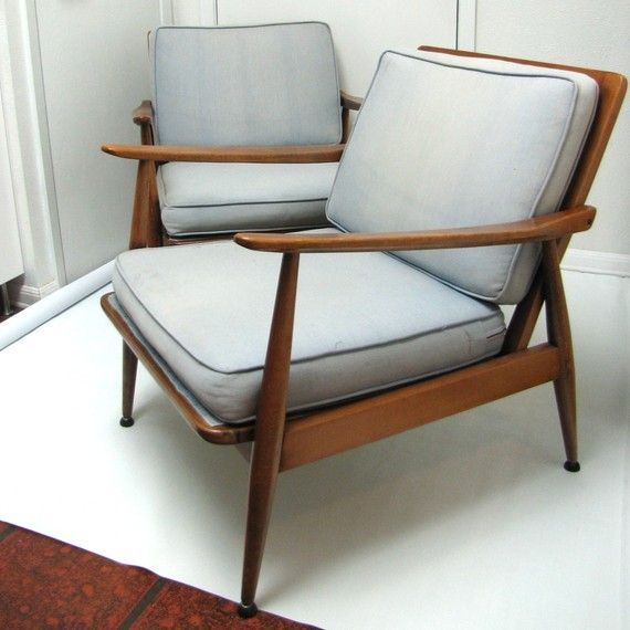 Pilot by Knoll High Back Lounge Chair with Arms Seating