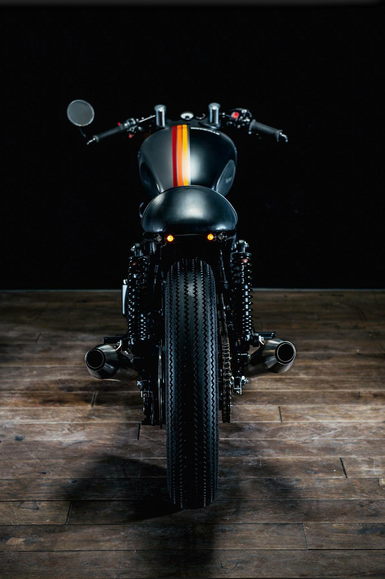 Motor café racer. Sobre dos ruedas