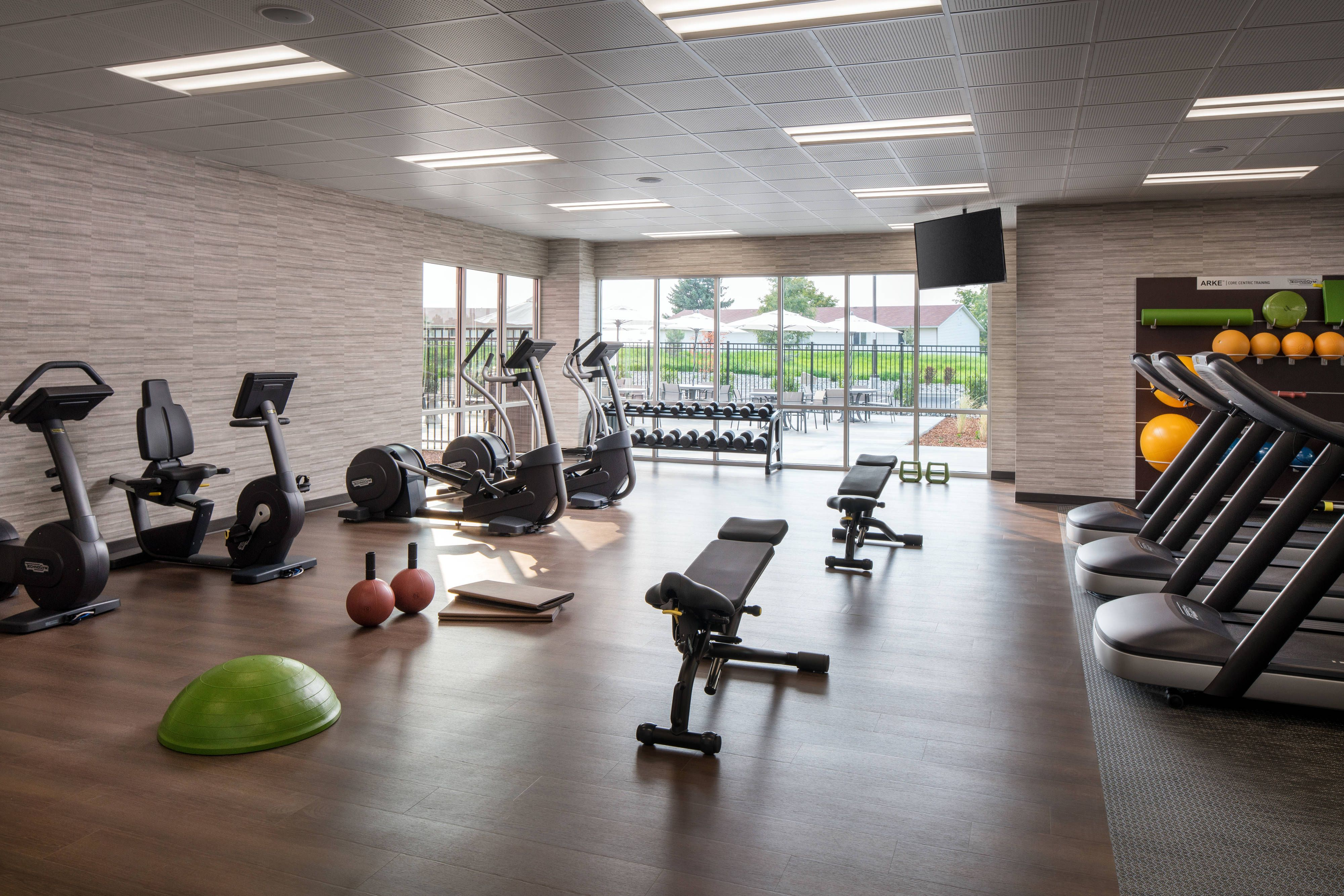 Courtyard Pullman Fitness Center Beautiful Holiday Happy Modern Hotel Room Modern Hotel Hotels Room